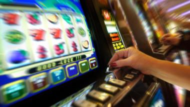 Bertola: contrasto all'azzardo: ritardi e inadempienze nell'applicazione della legge. Pronti a difenderla nelle sedi opportune
