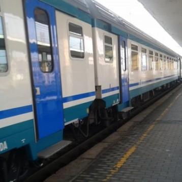 """Trasporti, Martinetti – Sacco (M5S): """"Gabusi prepara il terreno per tagliare il servizio ferroviario, vogliamo una giunta con la schiena dritta con Trenitalia. Pronta un'interrogazione"""""""